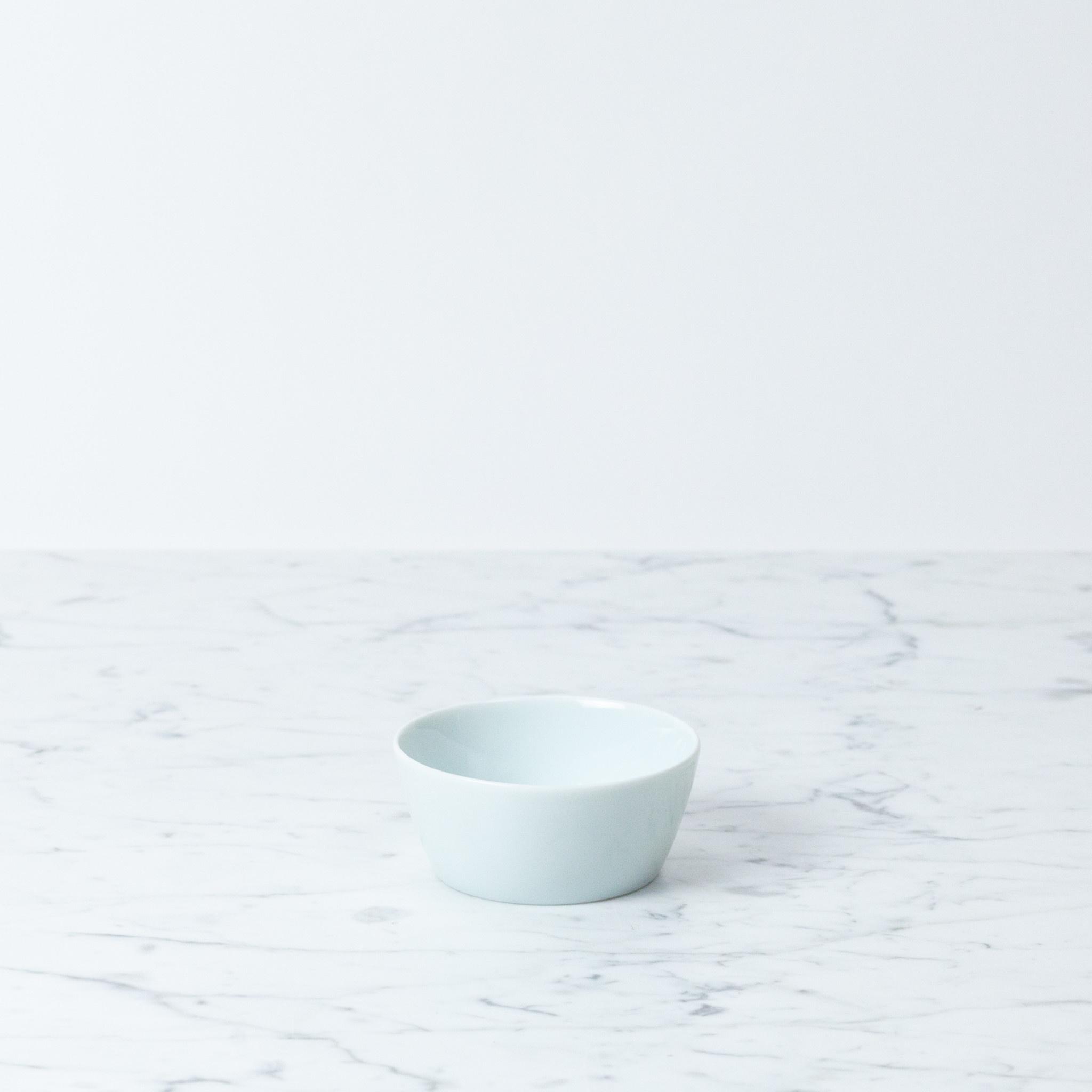 "MIZU MIZU PREORDER mizu-mizu Simple Porcelain Bowl - Bluish White - Medium - 3.5"""