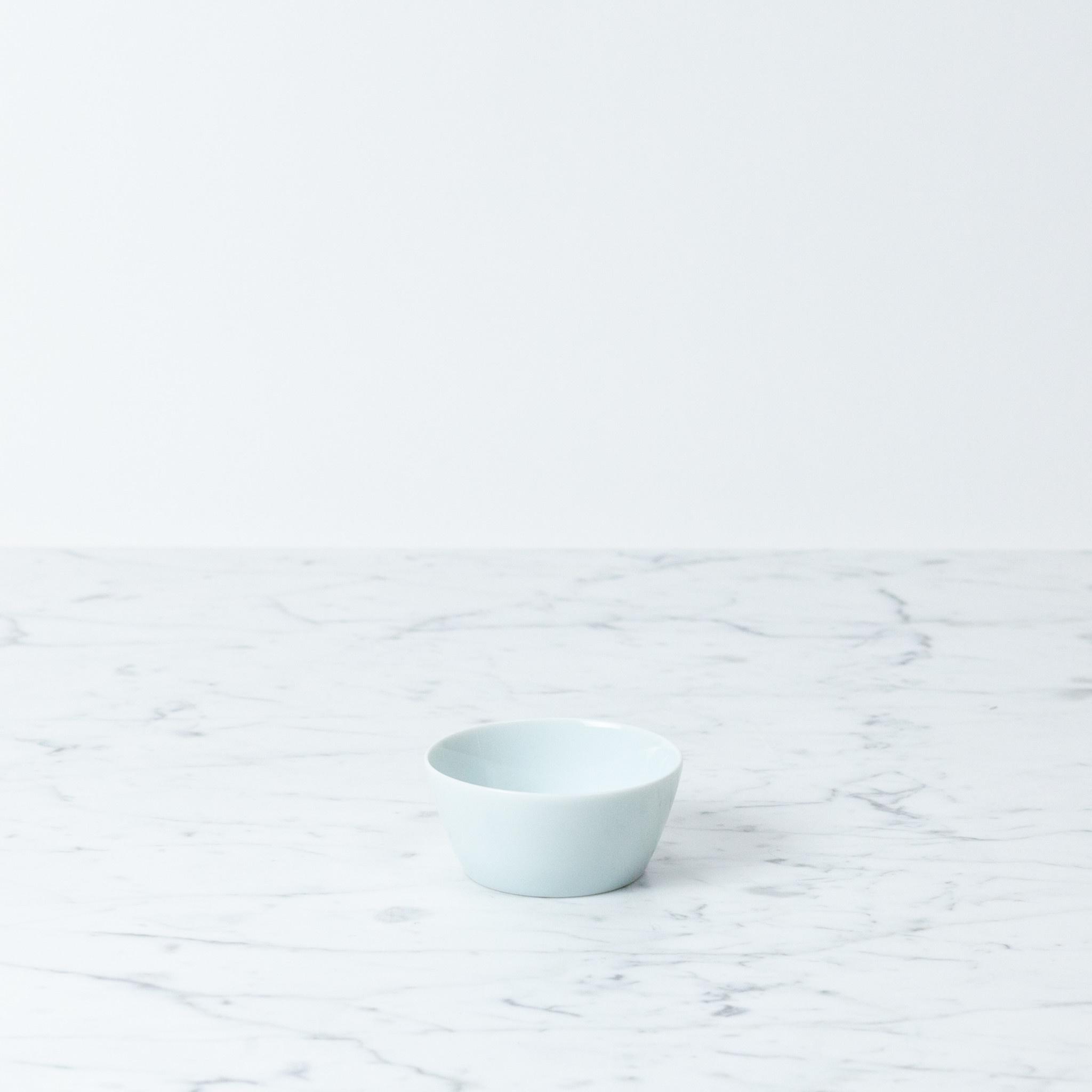 """MIZU MIZU mizu-mizu Simple Porcelain Bowl - Bluish White - Small - 3"""""""