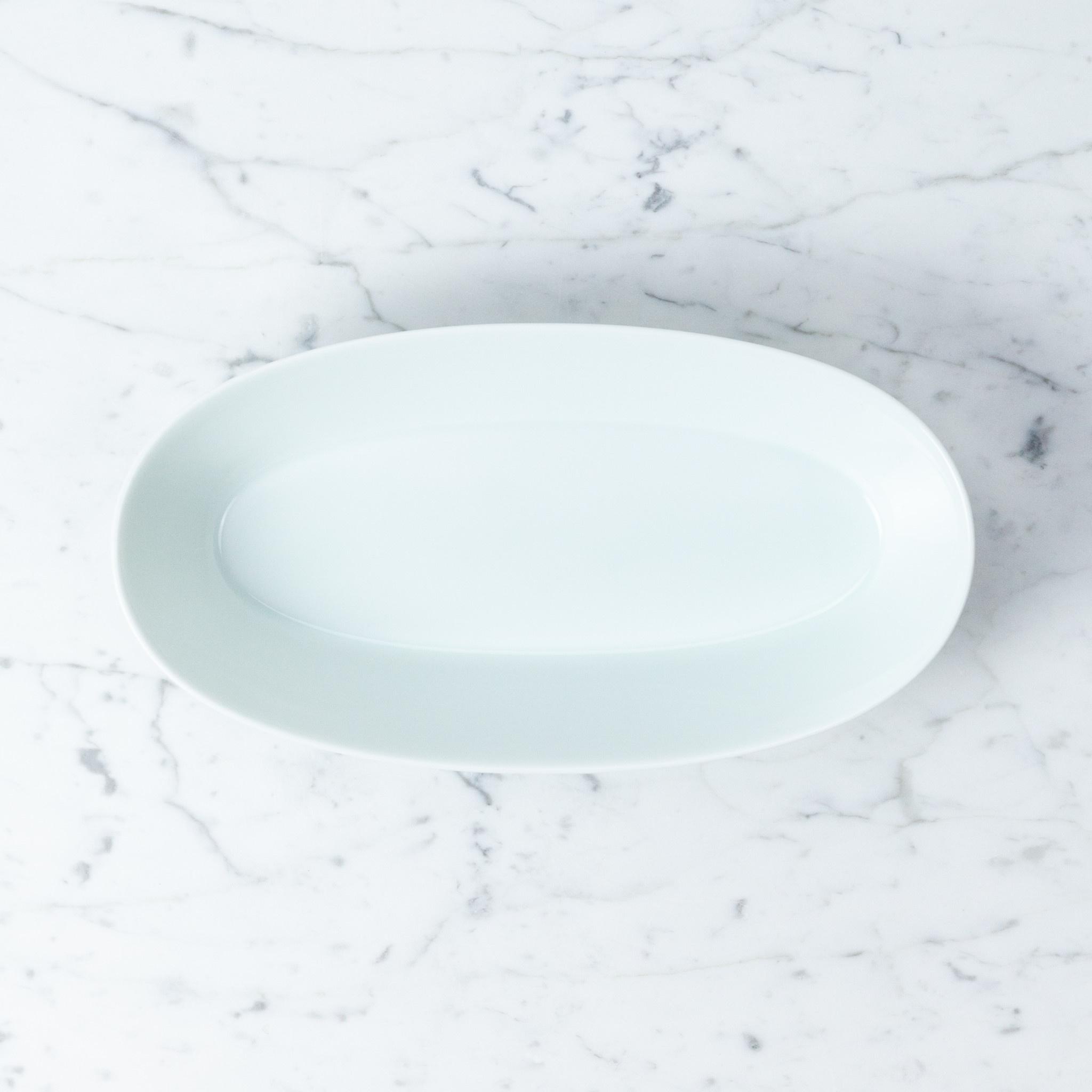 MIZU MIZU PREORDER mizu-mizu Oval Porcelain Bowl - Bluish White - 11''