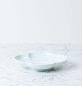 MIZU MIZU PREORDER mizu-mizu Mokko Long Clover Porcelain Bowl - Bluish-White - 8''