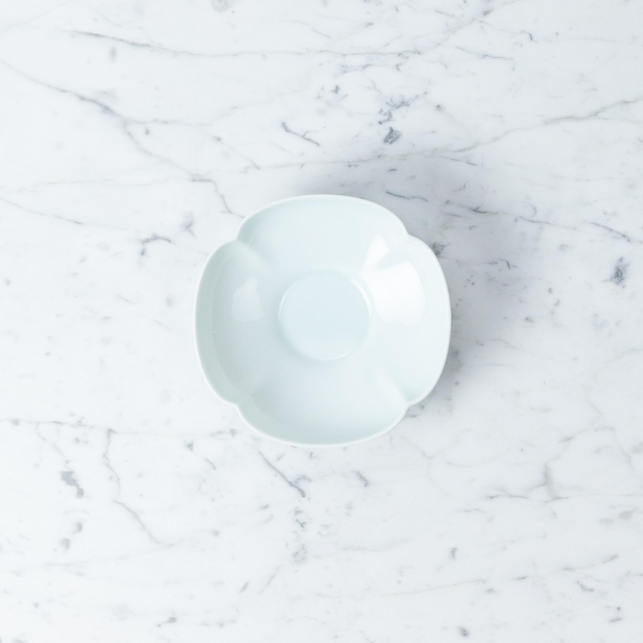 """MIZU MIZU mizu-mizu Mokko Clover Short Porcelain Bowl - 5.5"""""""