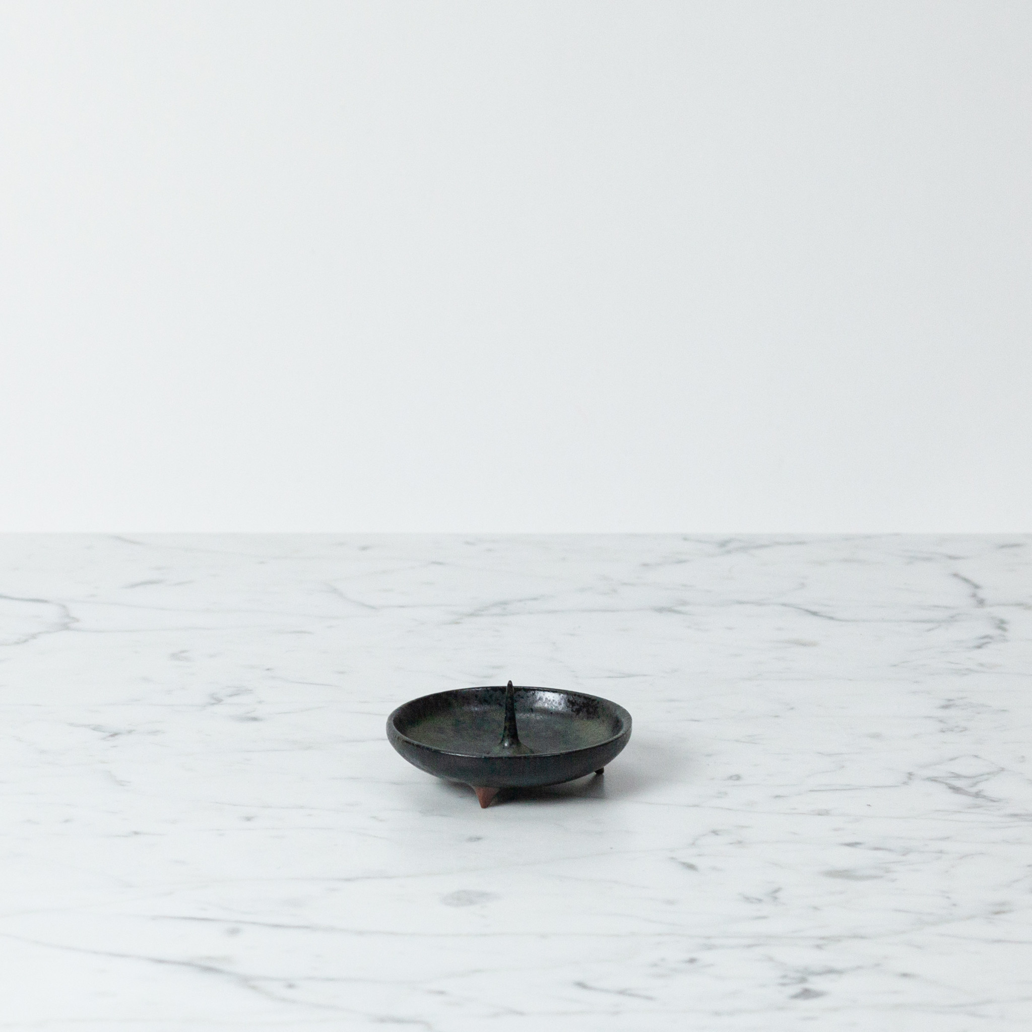 Delicate Ceramic Candle Holder Mame - Black