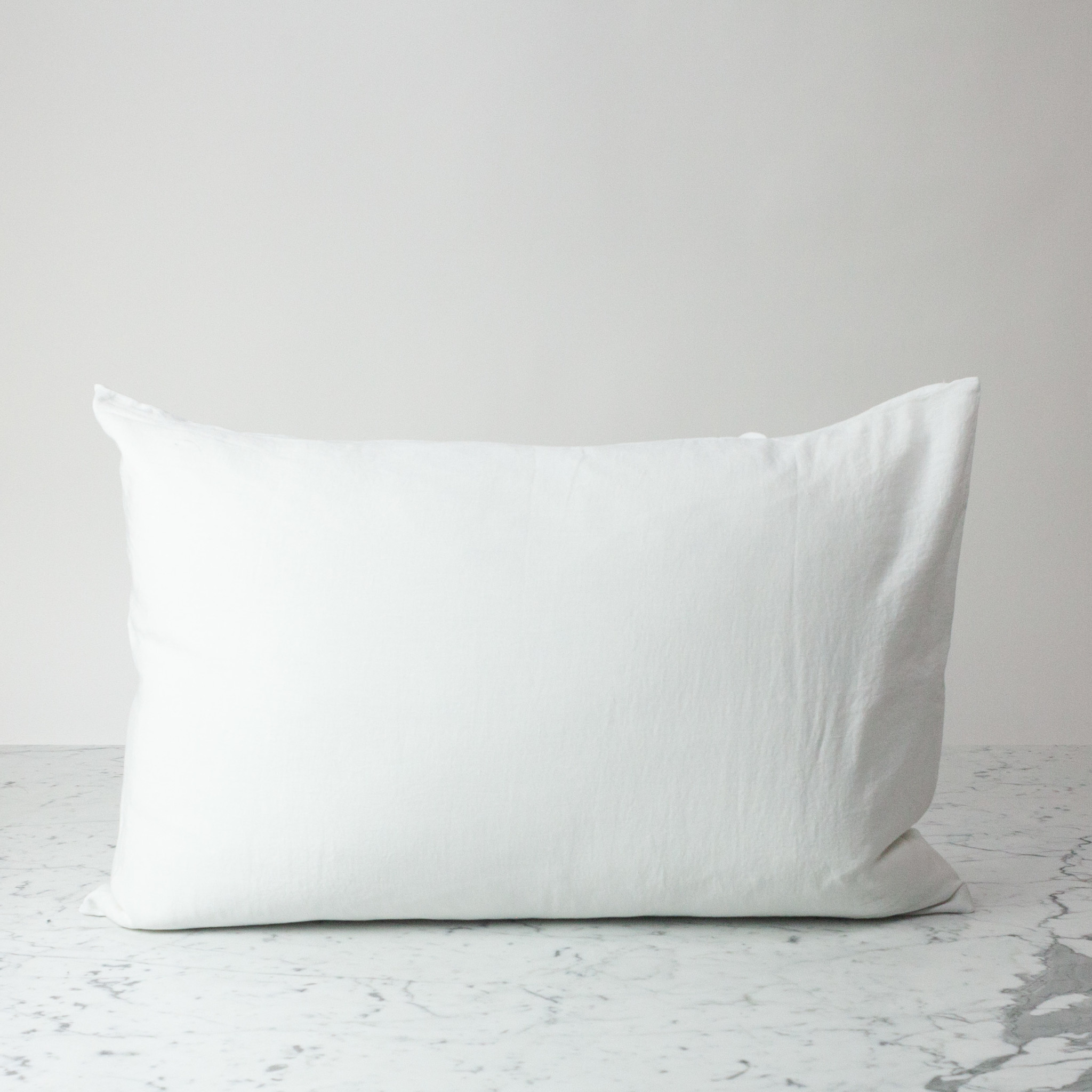 Cultiver Standard - White - Linen Pillowcase with Envelope Closure