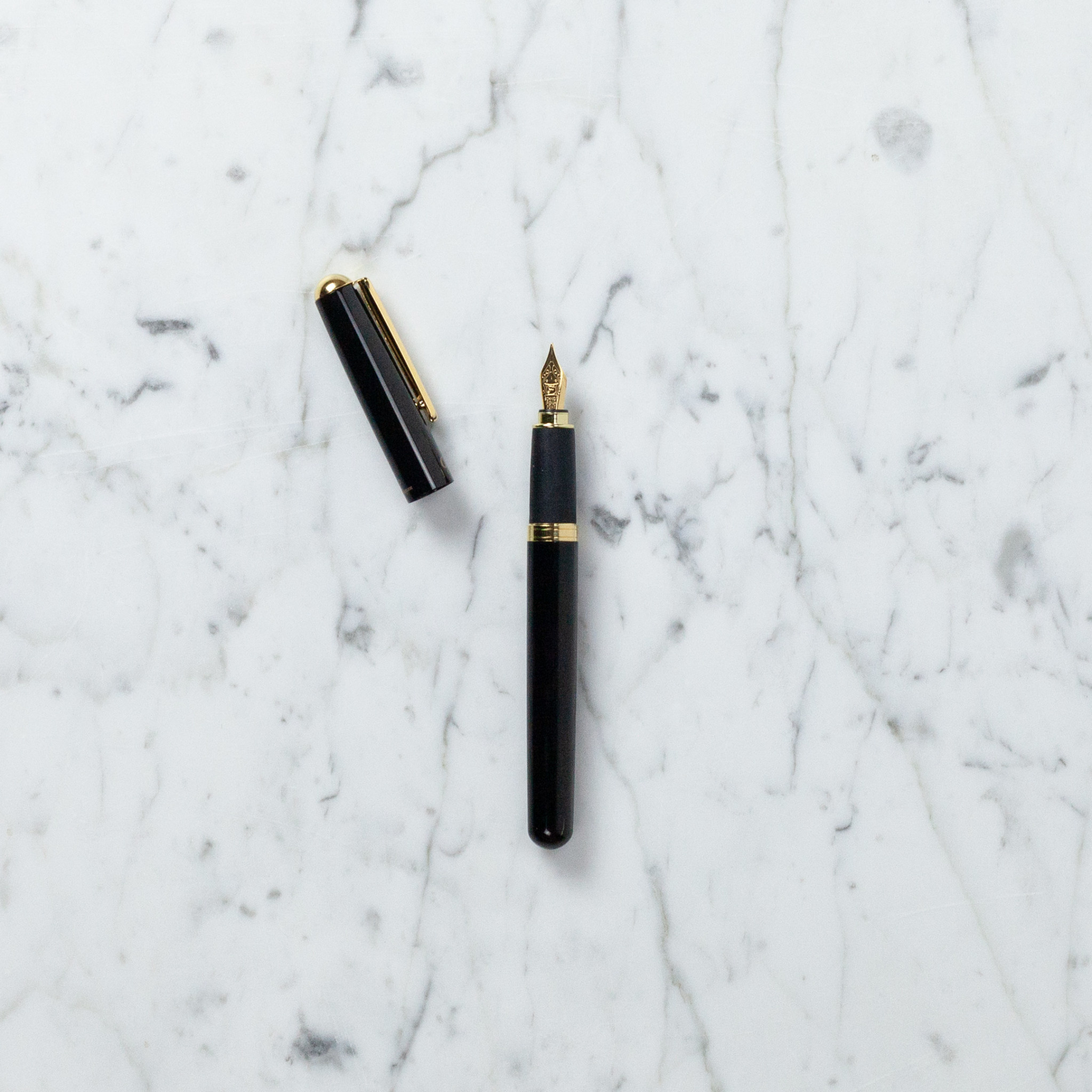 Ohto Celsus Fountain Pen - Black
