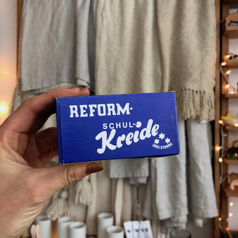 THREE STARS White School Chalk 'Reform' - 12 Sticks In Box