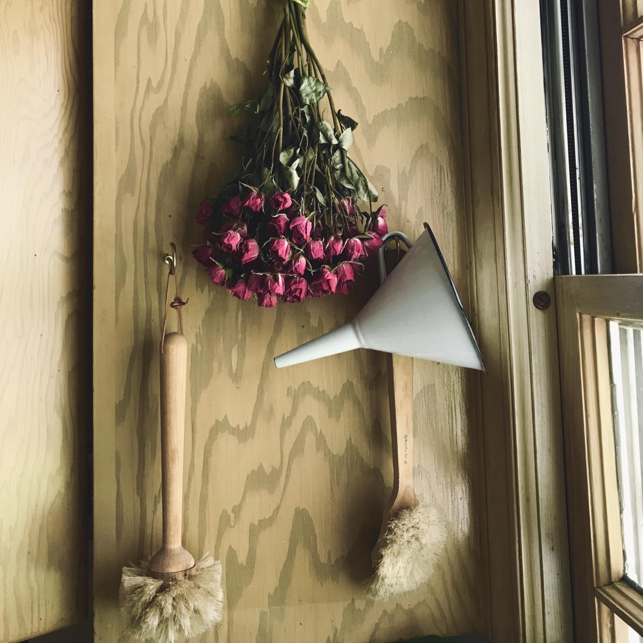 Iris Hantverk Swedish Long Handle Round Soft Glass Brush
