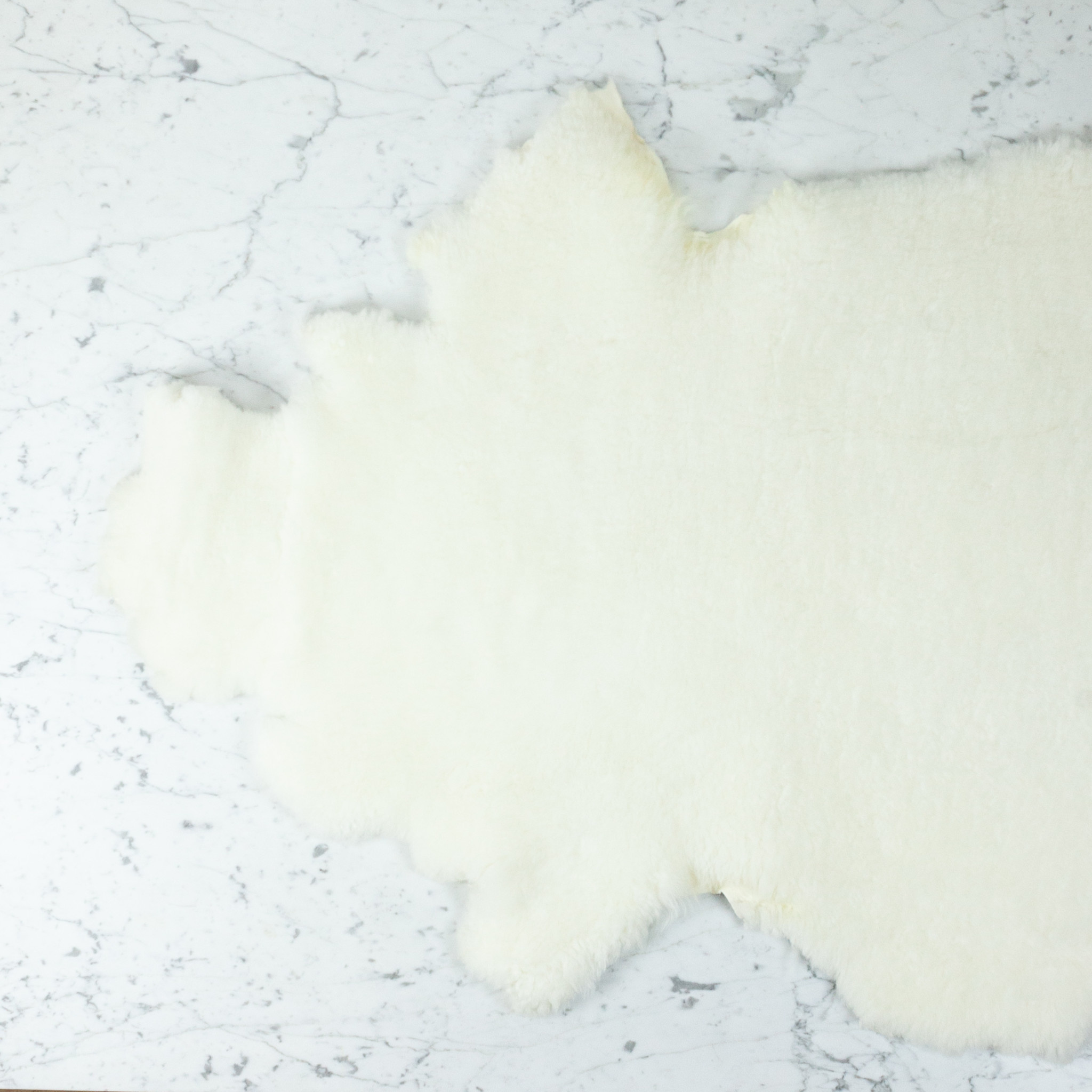 Farmhouse Sheepskin - Short Ivory Fleece