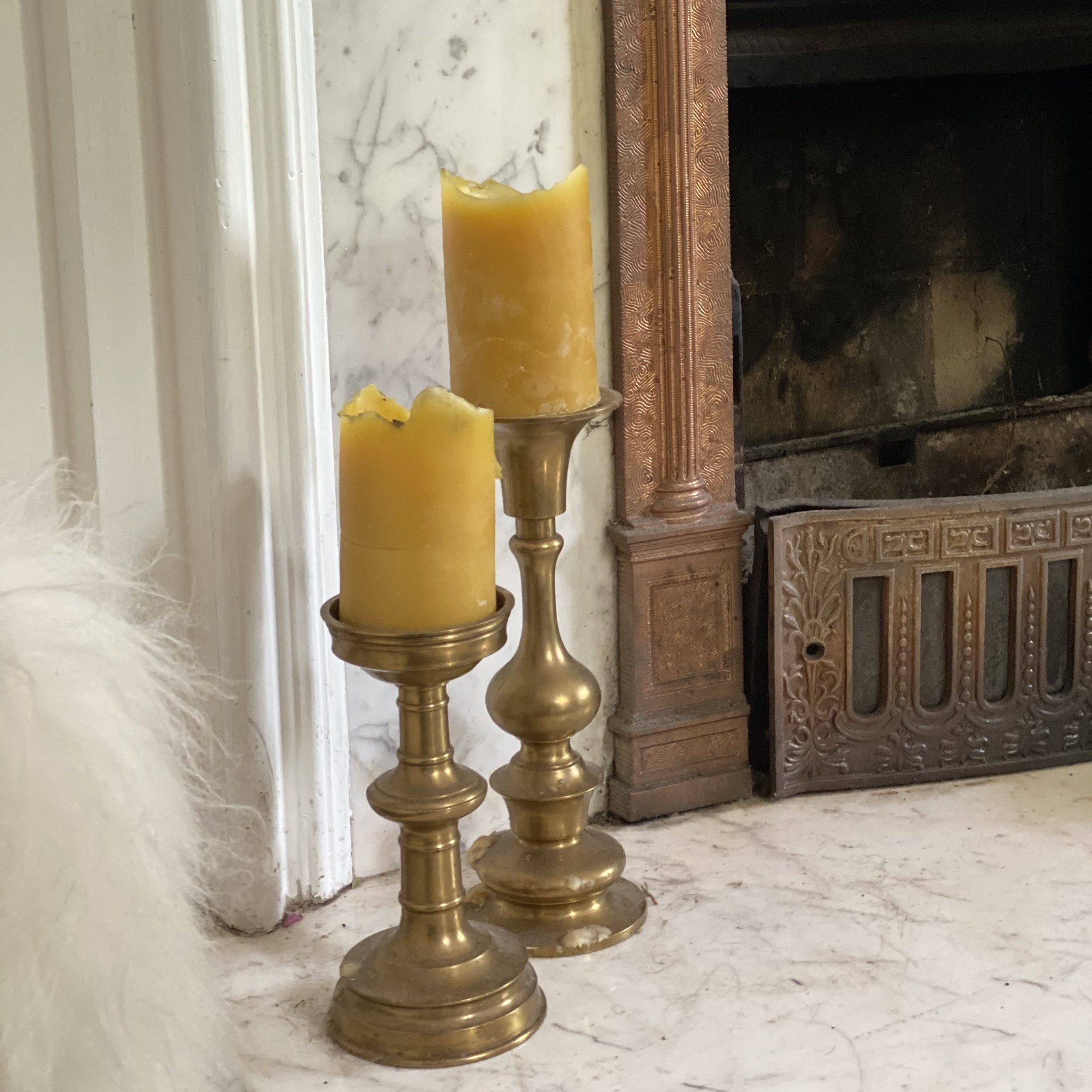 Old Mill Candles Small Beeswax Pillar 60 hr