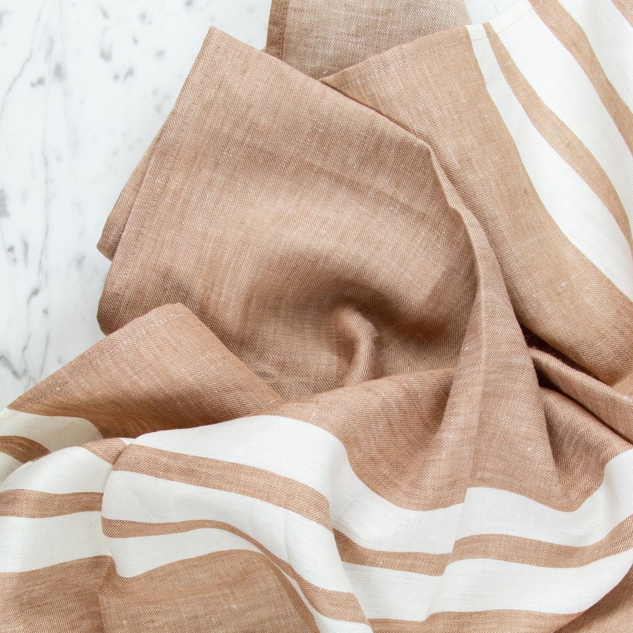 Libeco Home Richly colored with a picture jasper stripe.