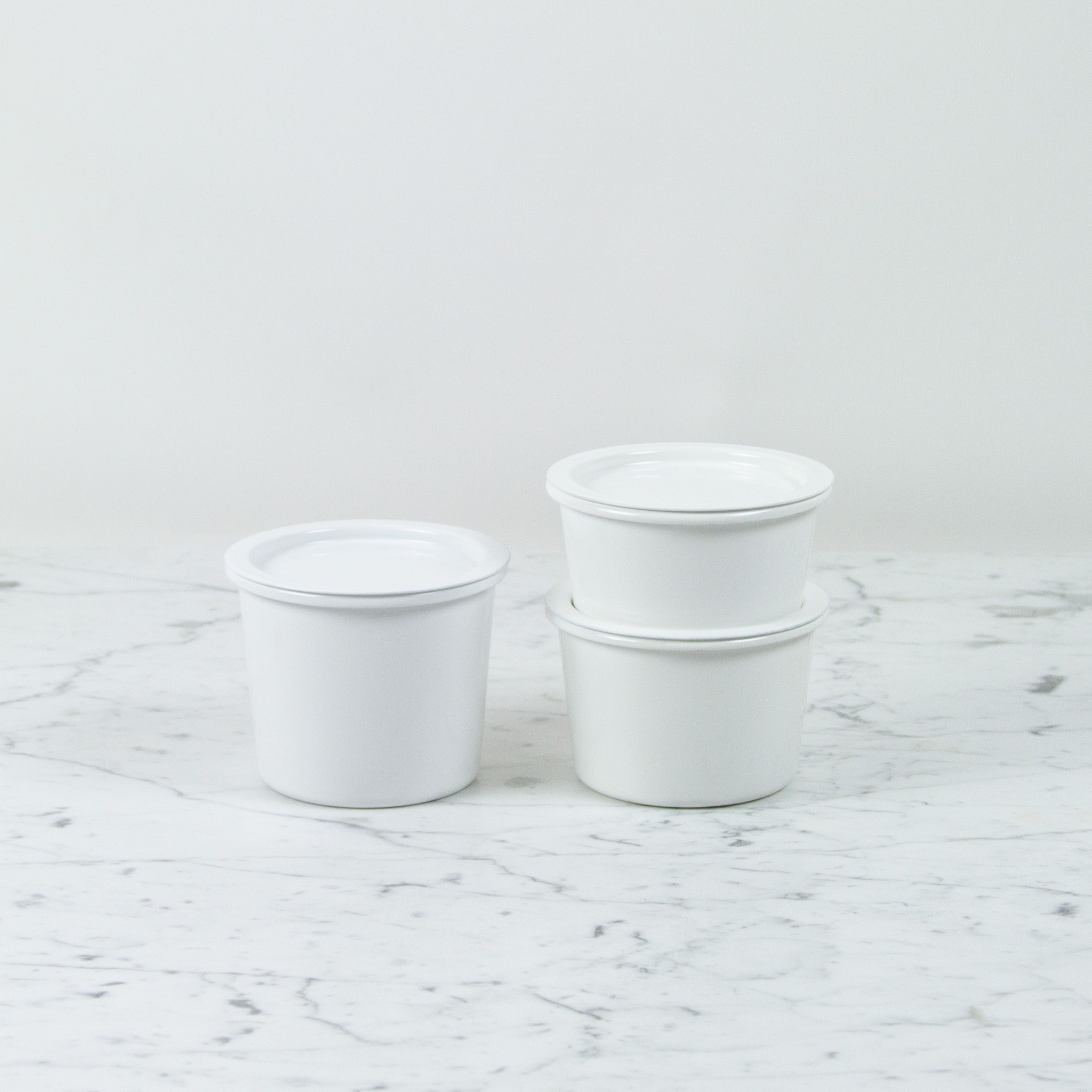 "Japanese White Enamel Container - Large - 4.75 x 4"""