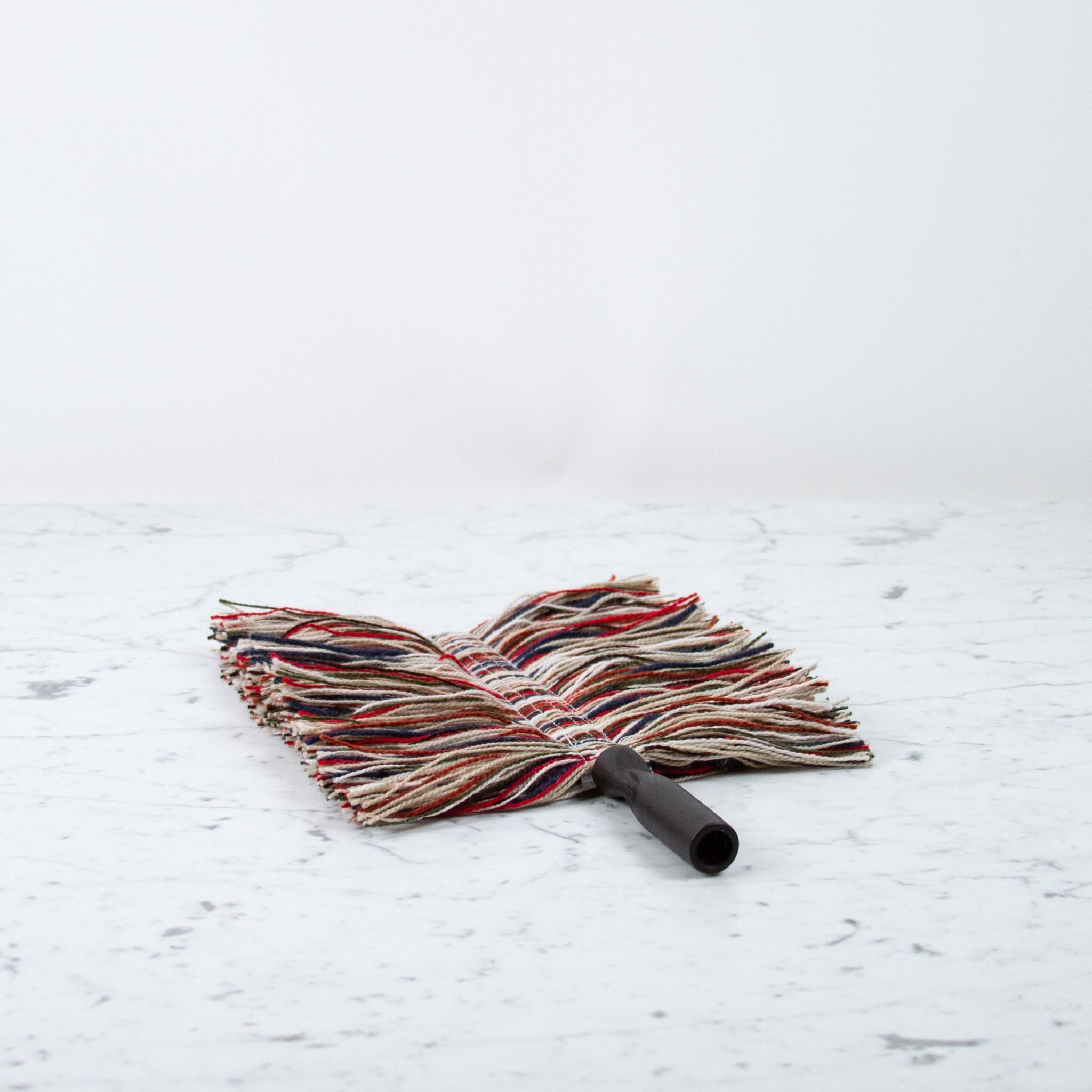 Sladust Mops Wool Duster with Black Handle