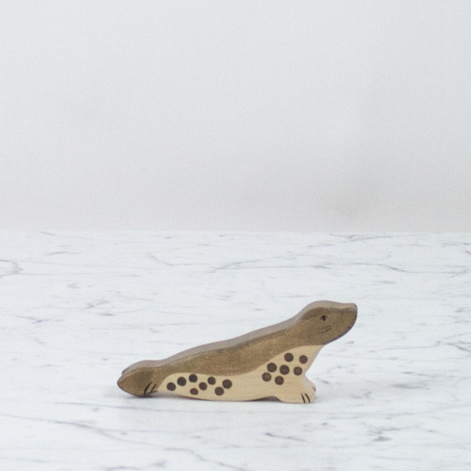 Holztiger Long Polka Dot Grey Seal