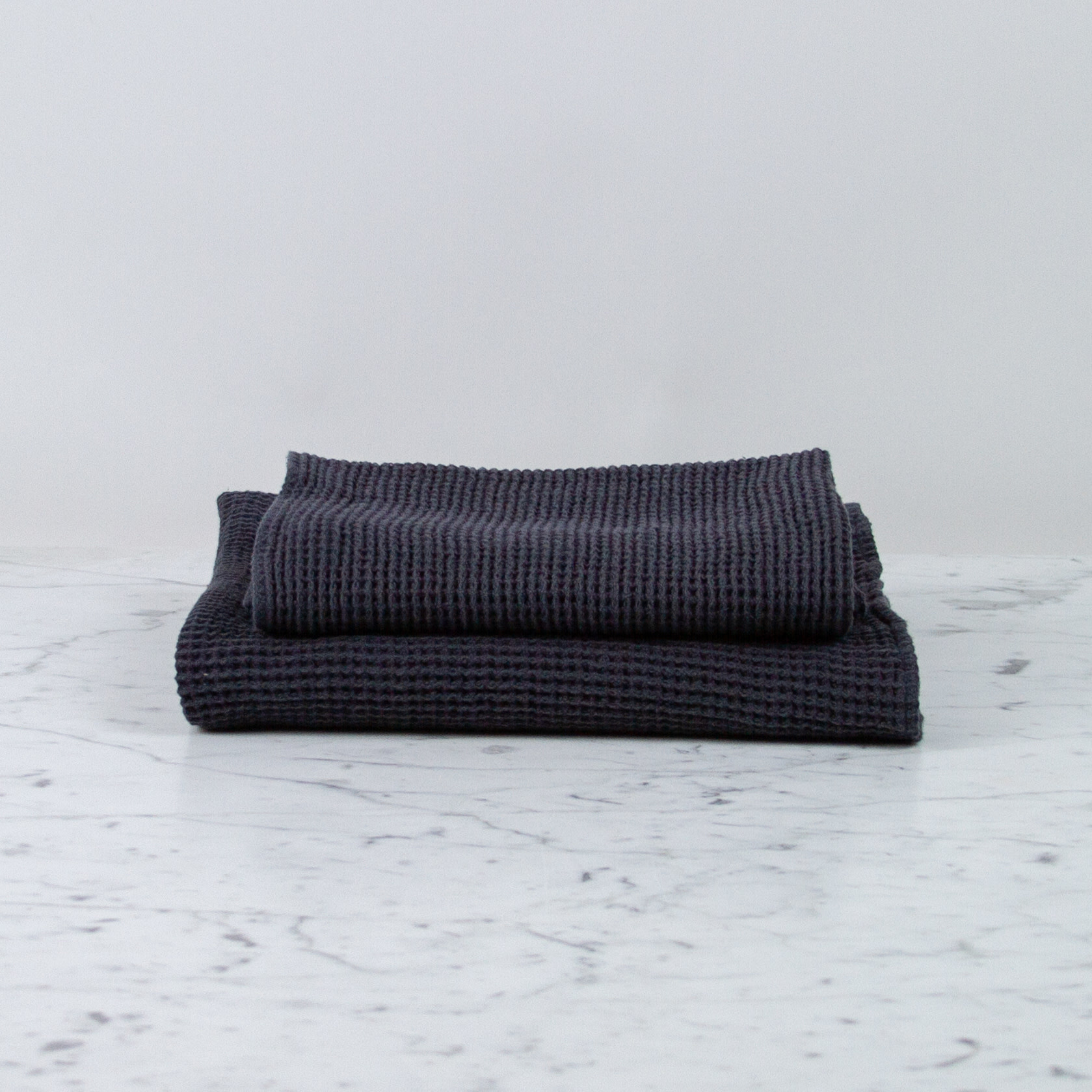 """Compact Thermal French Linen + Cotton Waffle Bath Towel - 24 x 40"""" - Anthracite Grey"""