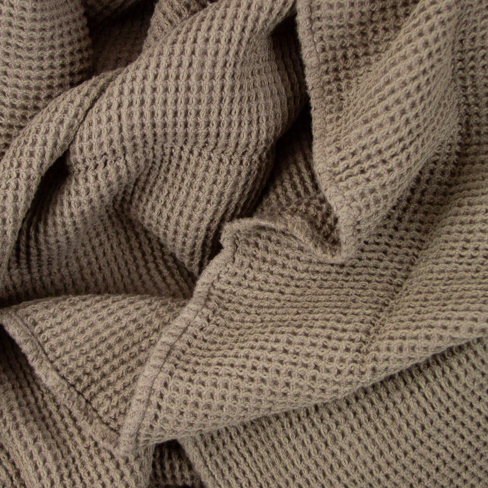 """Large Thermal French Linen + Cotton Waffle Bath Towel - 40 x 62"""" - Mouse Back Grey"""