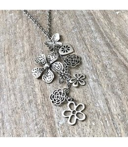 Freckle Face Flower power-silver necklace