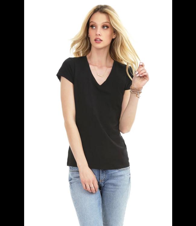 V-neck tshirt black