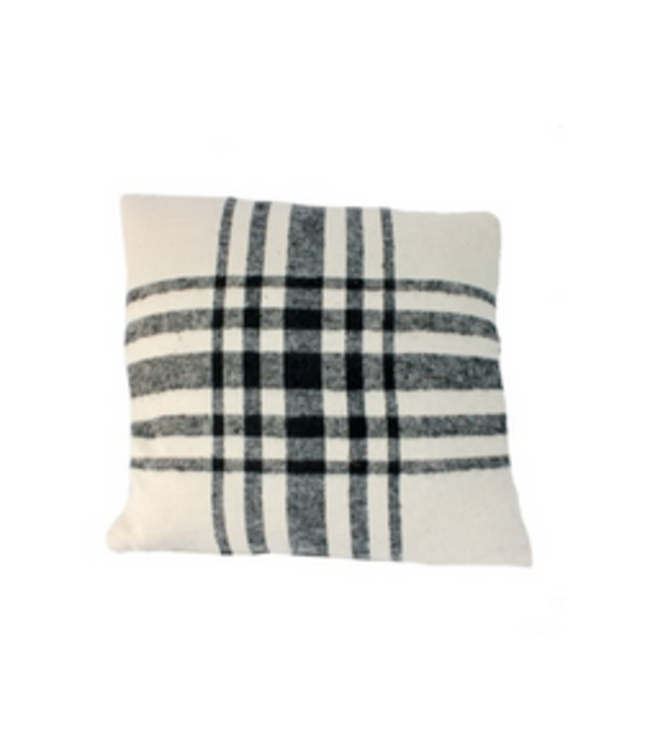 Throw pillow -Grey plaid