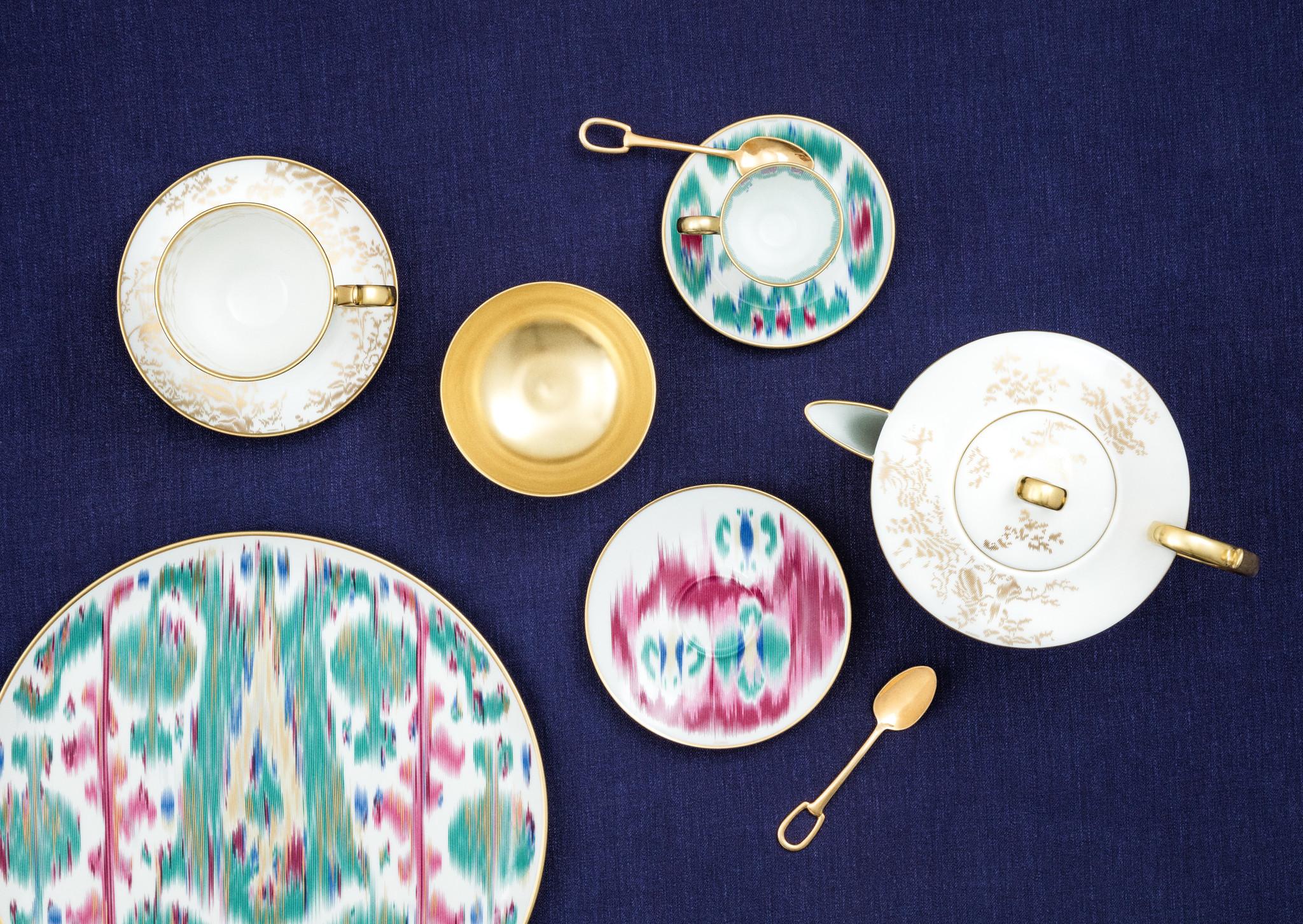 Hermes Voyage en Ikat Dinner plate