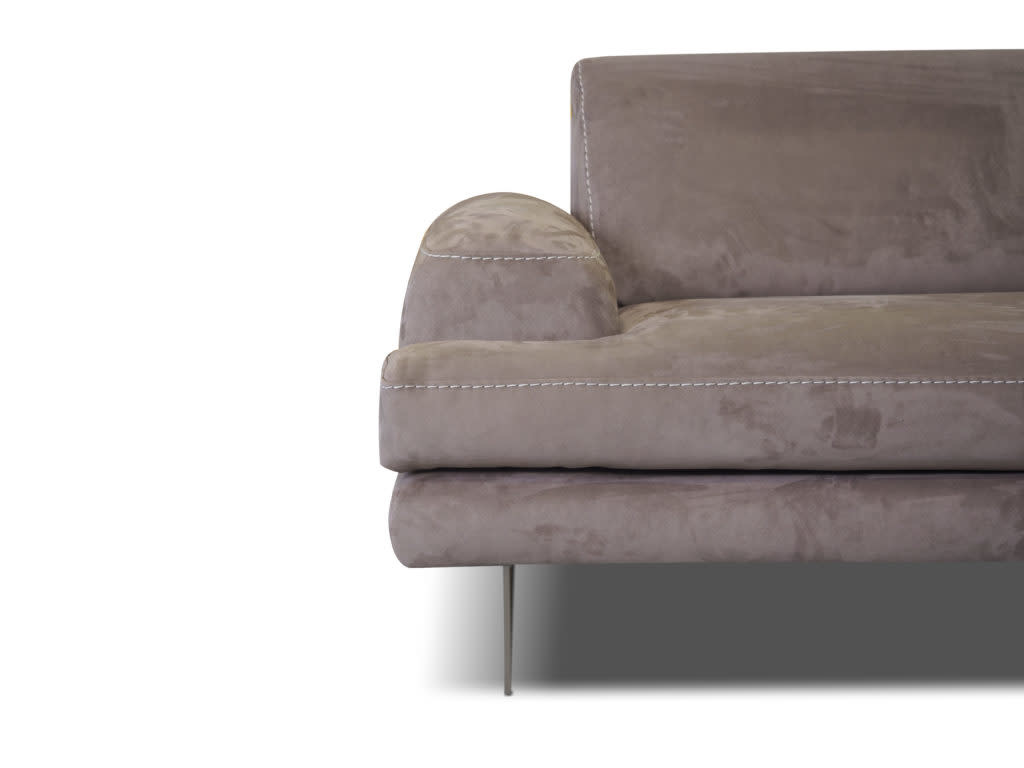 Evelin Sectional