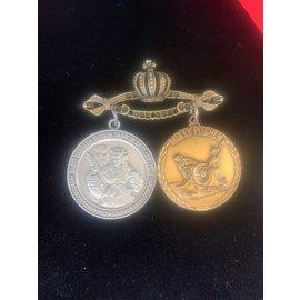 Multi Medal Holder Pin