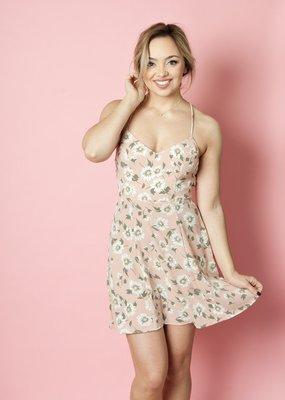 Show Me Your Mumu Show Me Your Mumu - Victoria Mini Dress in Daisy Duke Floral Pebble