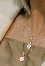 Leah Alexandra Leah Alexandra Circle Love Token Necklace - Gold