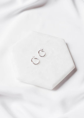 Lavender & Grace Lavender & Grace - Grace Huggie Earrings in Silver