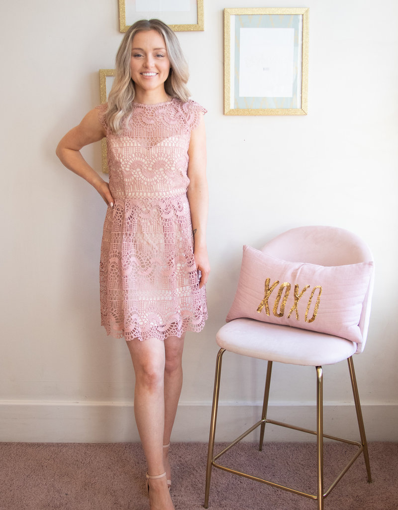 Minuet Abby Lace Cap Sleeve Dress in Mauve