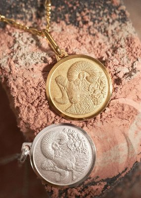 """Melanie Auld Aries Pendant with 18"""" Figaro Chain"""