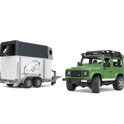 BRUDER LAND ROVER DEFENDER STATION WAGON W HORSE TRAILER AND HORSE