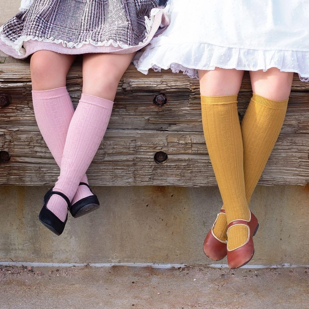 LITTLE STOCKING CO. BLUSH CABLE KNIT KNEE HIGH SOCKS
