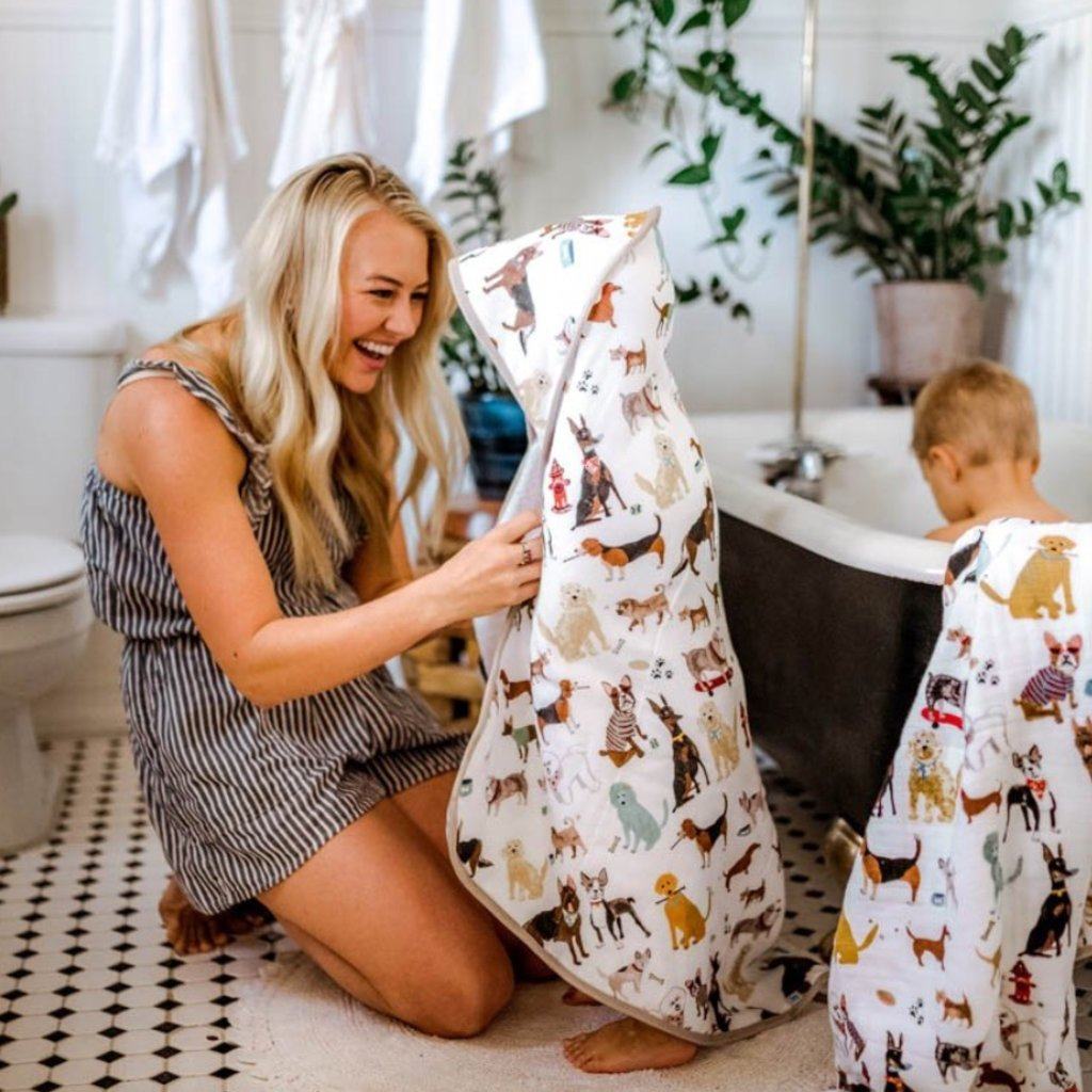 LITTLE UNICORN COTTON HOODED TOWEL AND WASHCLOTH- WOOF