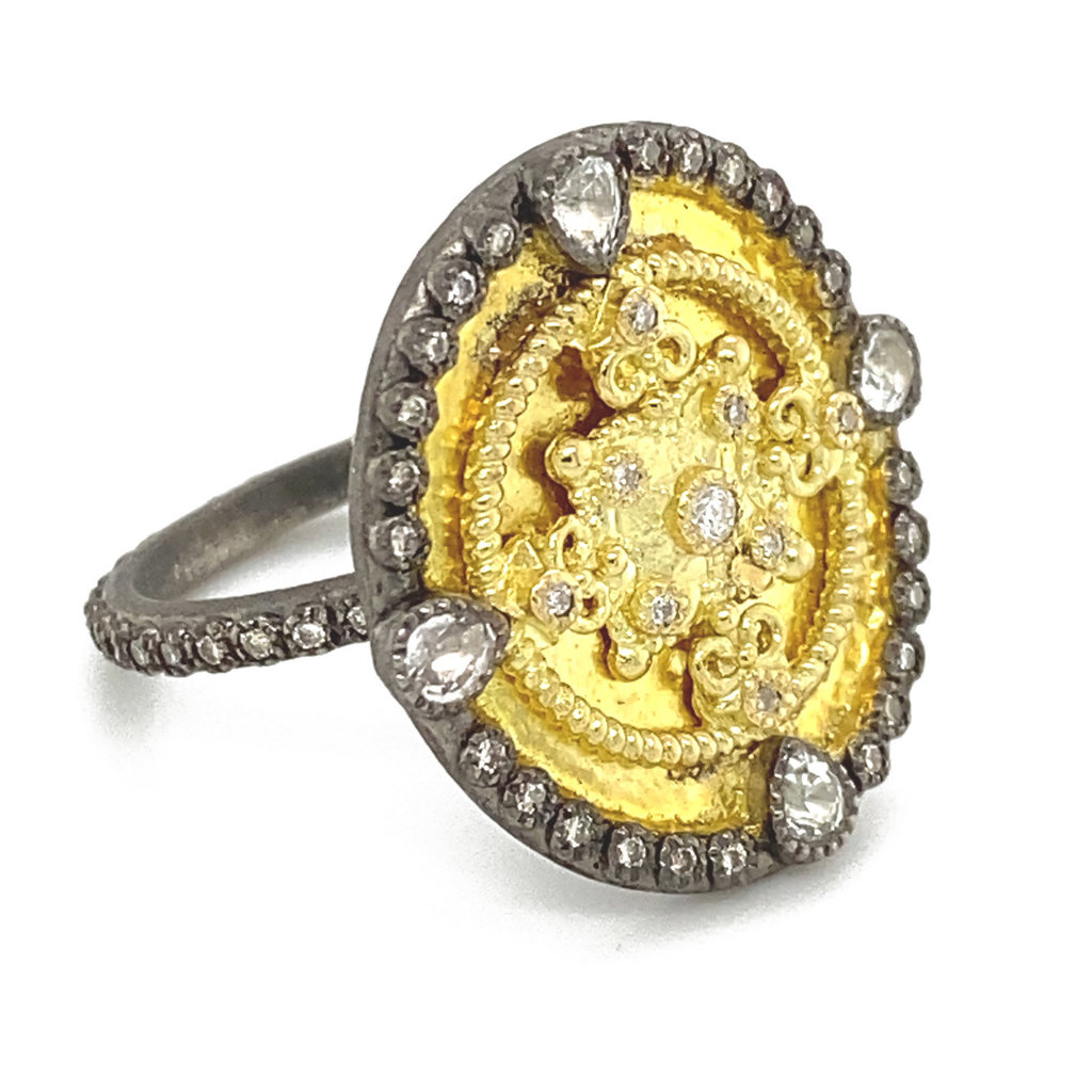 Armenta Heraldry Small Gold Oval Shield Ring