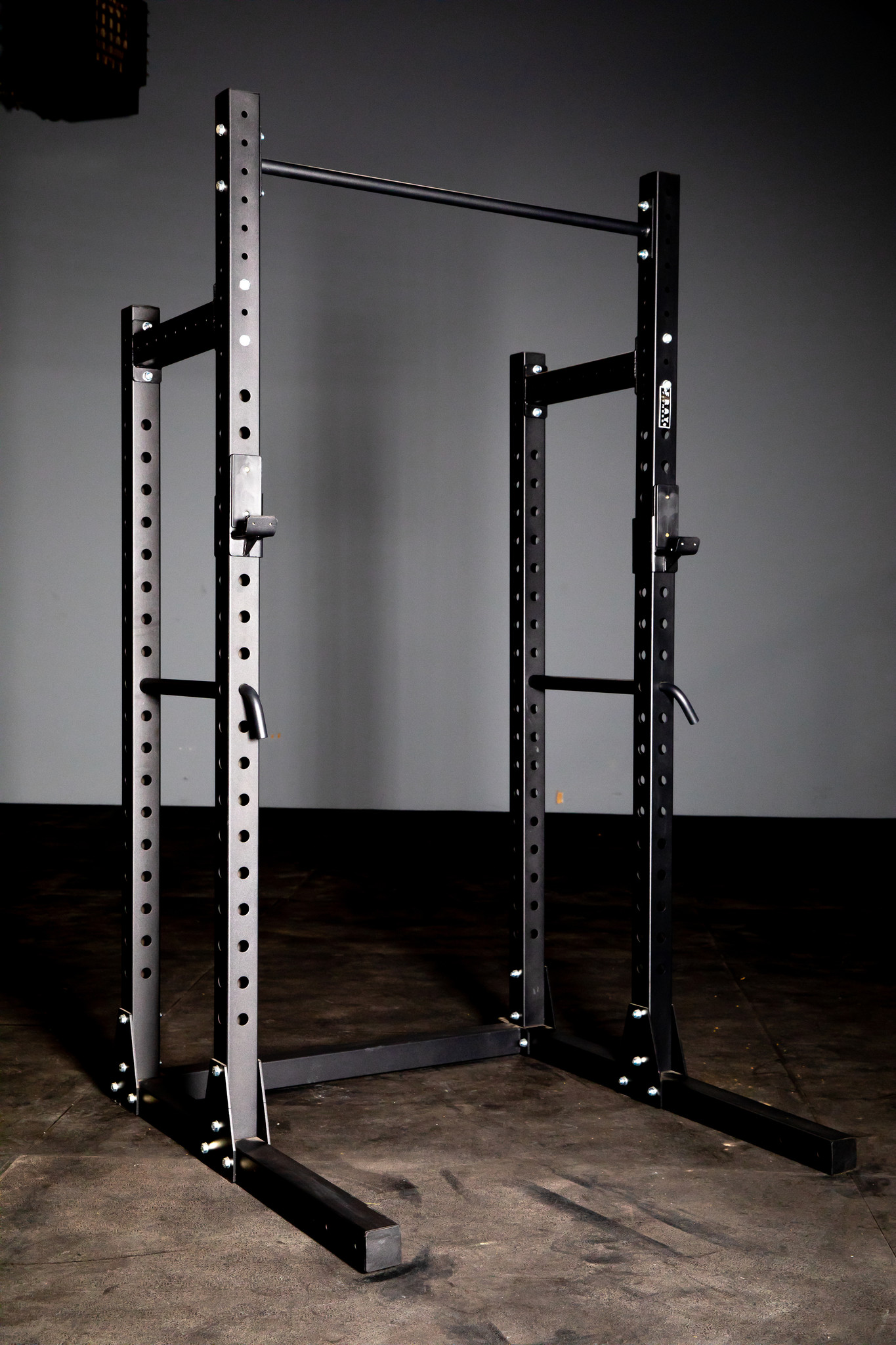 Weight lifting rack for garage gym