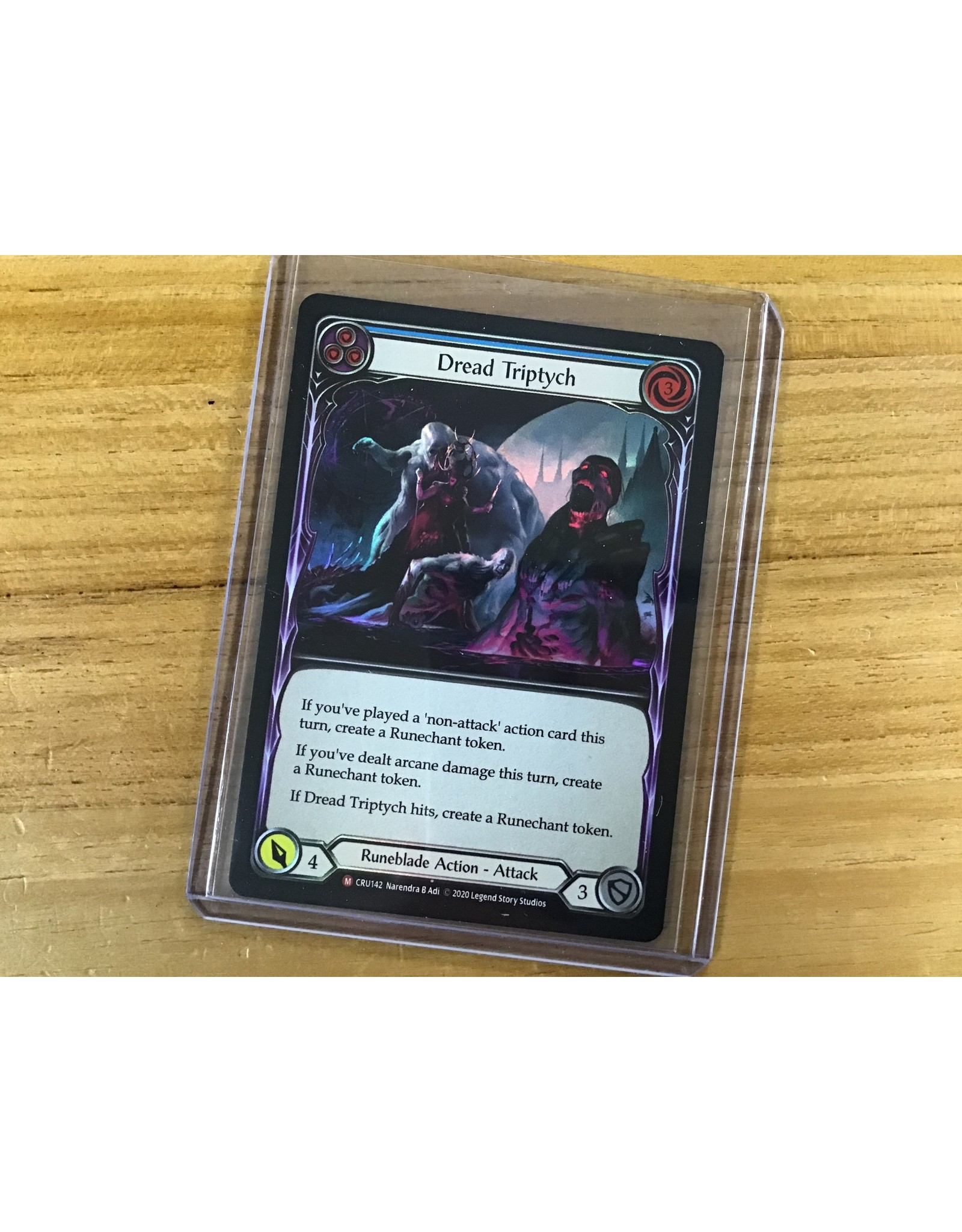 Legend Story Studios Flesh and Blood Single : Dread Triptych Crucible of War Rainbow Foil