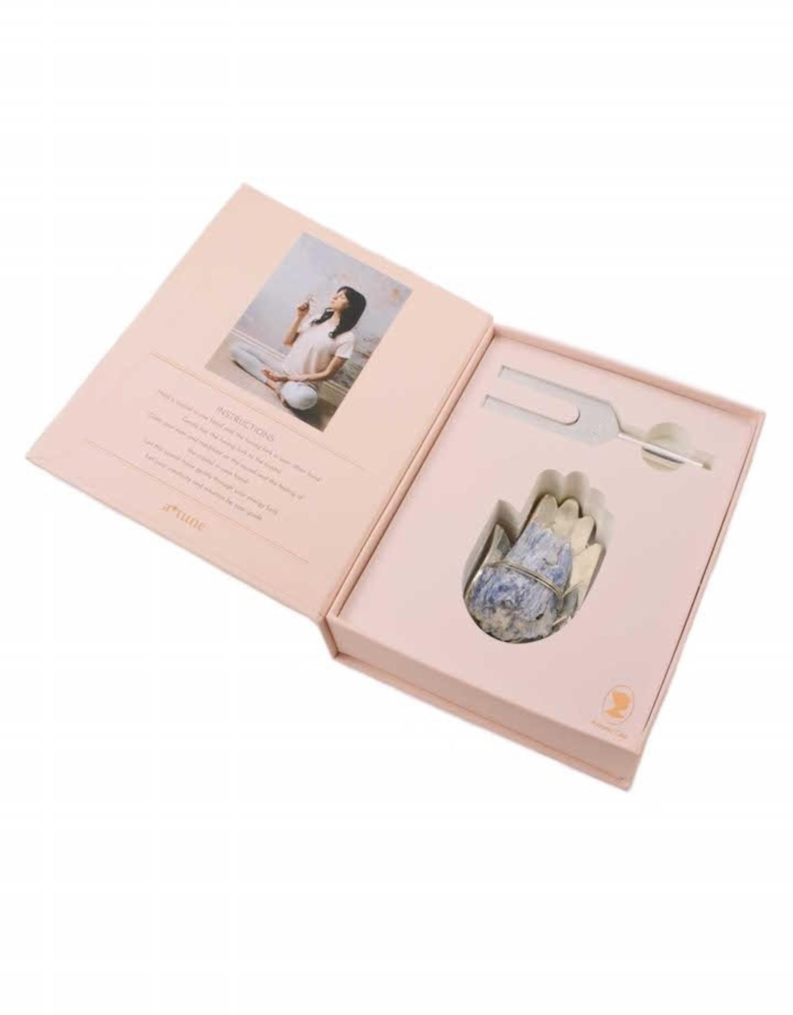 Ariana Ost Sound Healing Crystal Kit: Hand