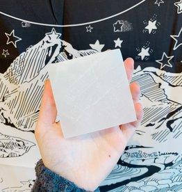Pelham Grayson Selenite Charging Plate - Square (LG)