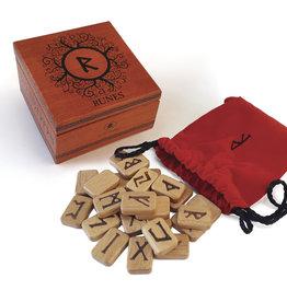 Llewelyn Deluxe Wooden Runes (DC)