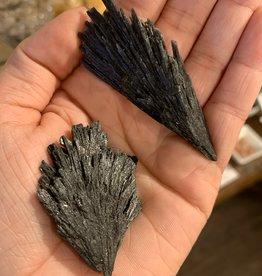 Pelham Grayson Black Kyanite Fan (Medium)