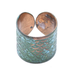 Matr Boomie Art Deco Scallop Ring - Patina
