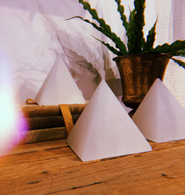 Pelham Grayson Selenite XL Pyramid