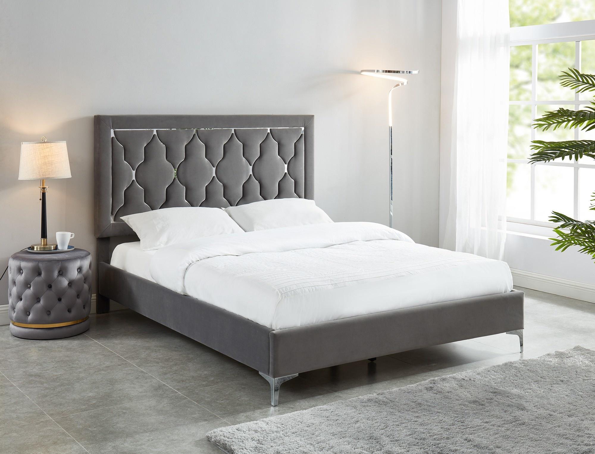 "Dolce 60"" Queen Platform Bed in Grey"