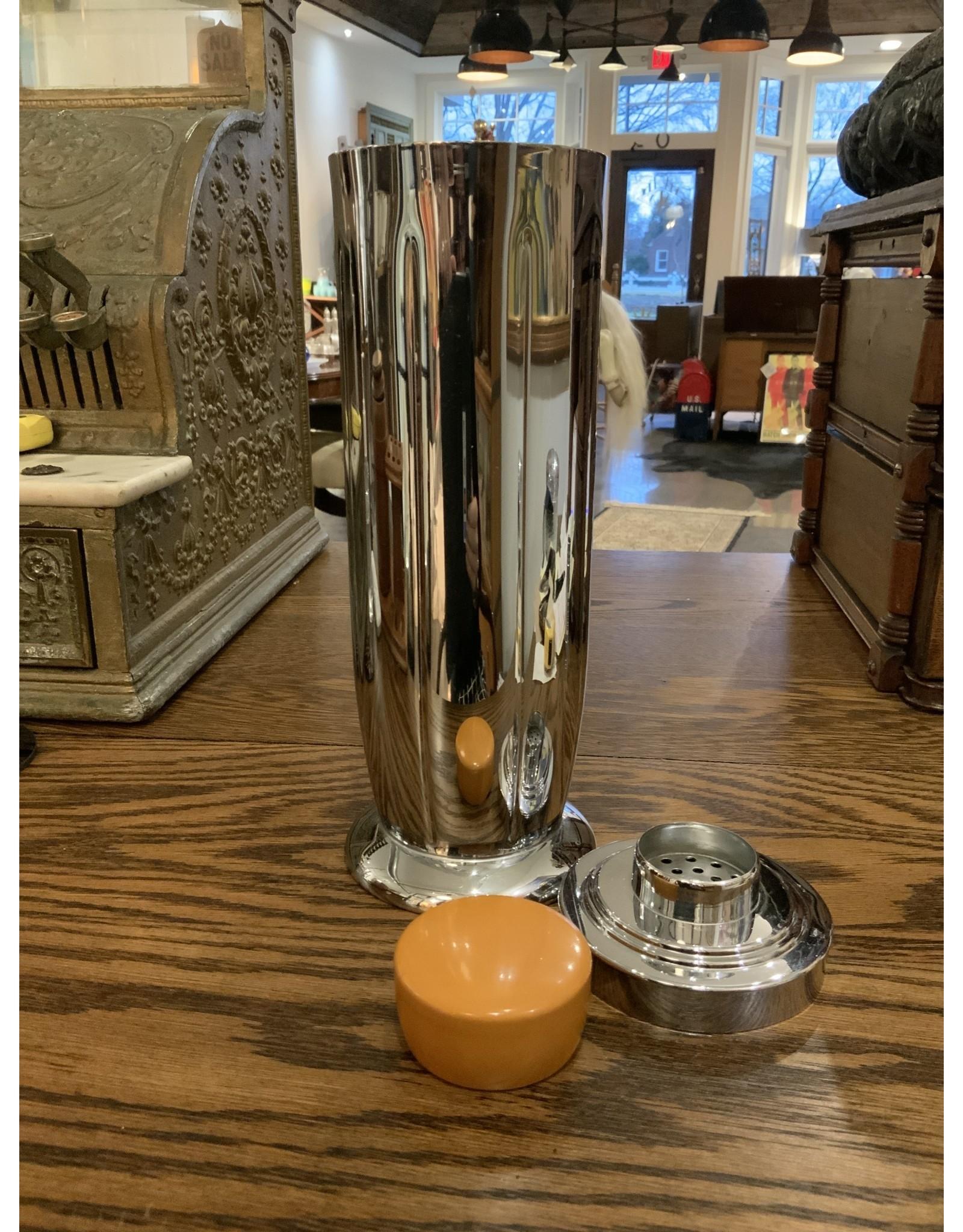 SPV Manning Bowman Connoisseur Cocktail Shaker - Merridien Conneticut, USA - Chrome and Butterscotch Bakelite - Rare!