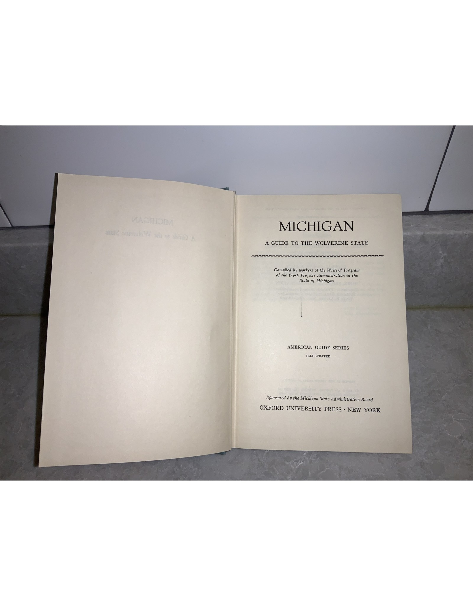 SPV Michigan: A Guide To The Wolverine State , Oxford University Press~New York