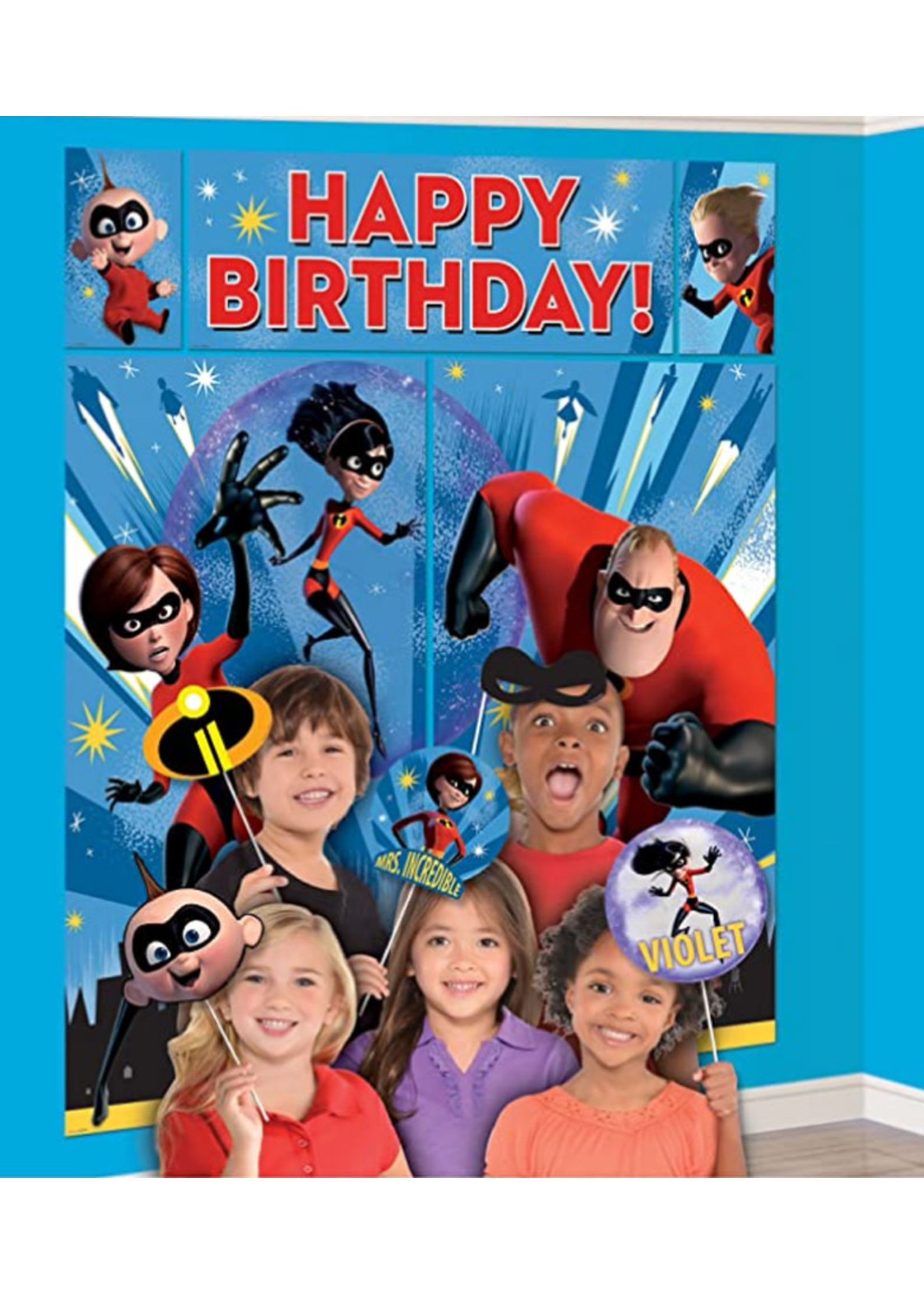 Incredibles 2 Scene Setter with Photo Booth Props