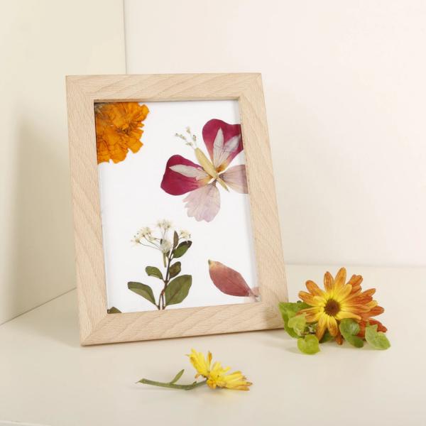 Kikkerland Outdoor Pressed Flower Frame