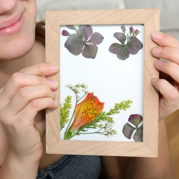 Kikkerland Art Frame | Pressed Flower