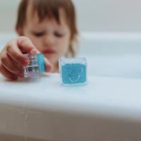 Bath Glo Pals   Light Up Cubes