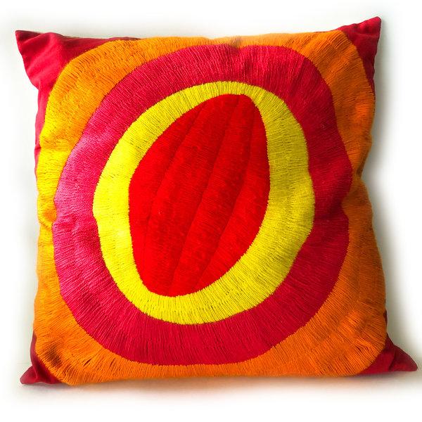 La Casa Cotzal Pillow | Embroidered Circles