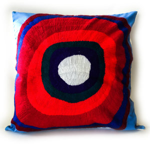 La Casa Cotzal Pillow | Embroidered Circles